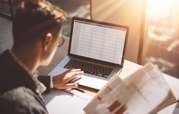 Por que os softwares na gestão ERP são tão importantes na administração escolar?